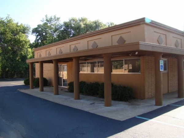 Listing Image #1 - Office for lease at 25816 Orchard Lake, Farmington Hills MI 48336