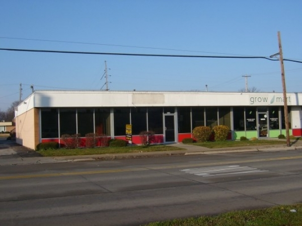 Listing Image #1 - Retail for lease at 2133 Warwick, Saginaw MI 48602