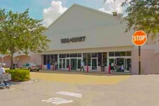 Retail for lease in Cooper City, FL