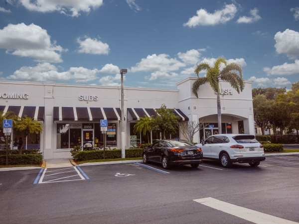 Listing Image #1 - Retail for lease at 8952 Cleary Blvd., Plantation FL 33324