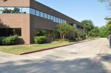 Listing Image #1 - Office for lease at 425 Holderrieth, Tomball TX 77375