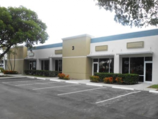 Listing Image #1 - Office for lease at 5201-5255 NW 33rd Avenue, Fort Lauderdale FL 33309
