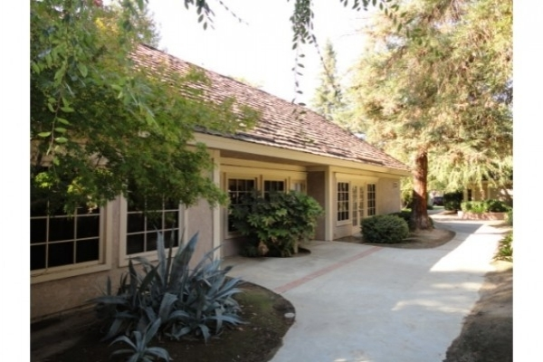 Listing Image #1 - Office for lease at 4922 E Yale Ave, Fresno CA 93727