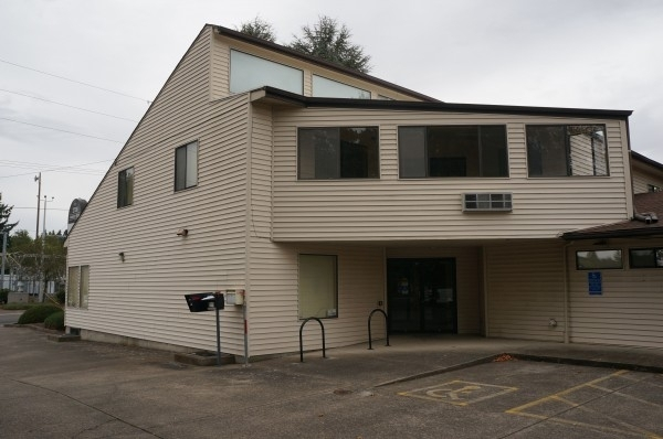 Listing Image #3 - Office for lease at 2700 Market St NE, Salem OR 97301