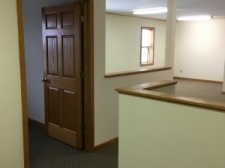 Office for lease in Valley View, OH