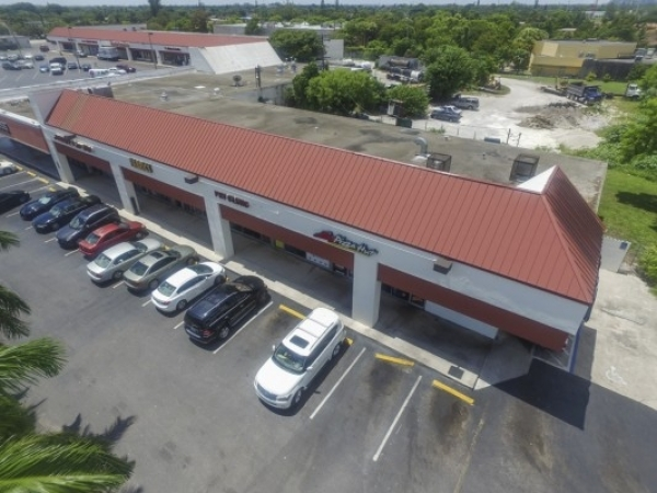 Listing Image #1 - Retail for lease at 19904-19960 NW 2nd Ave, MIAMI  FL 33169