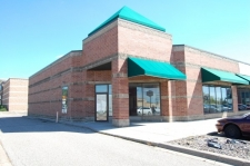 Retail for lease in Maplewood, MN