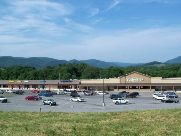 Listing Image #1 - Retail for lease at Us Rt 460 & State Rt100, Pearisburg VA 24134