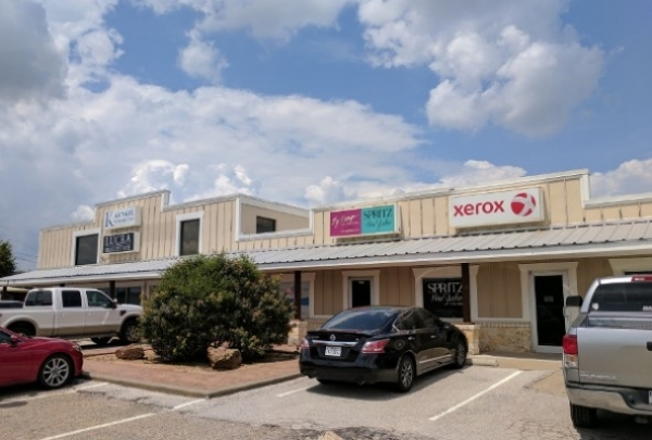 Listing Image #1 - Office for lease at 7609 Woodway Dr, Woodway TX 76712