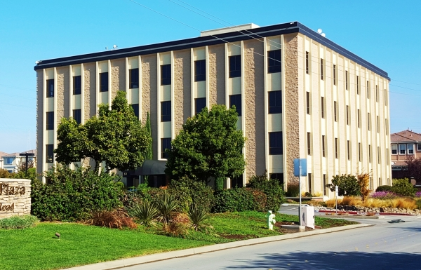 Listing Image #1 - Office for lease at 643 Bair Island Road, Redwood City CA 94063