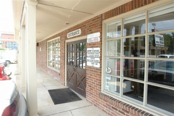 Listing Image #4 - Retail for lease at 2310--2326 S. Brentwood Blvd, St. Louis MO 63144