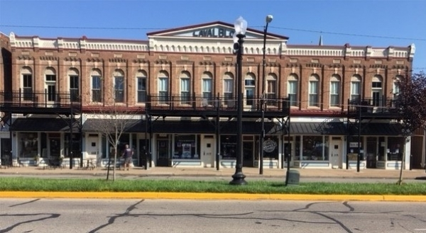 Listing Image #1 - Retail for lease at 2013-2023 W Franklin St, Evansville IN 47712