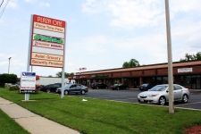 Retail property for lease in Janesville, WI