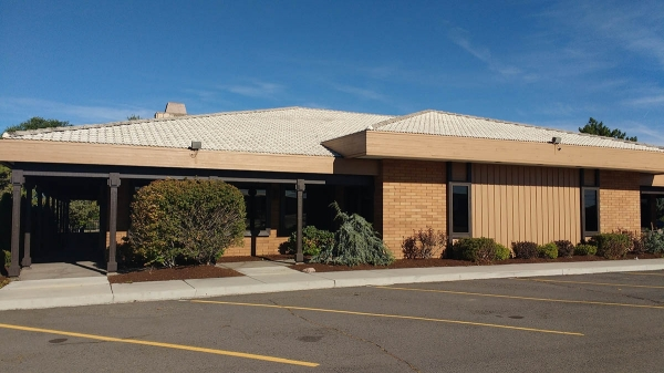Listing Image #1 - Retail for lease at 1555 S Highway 97, Redmond OR 97756