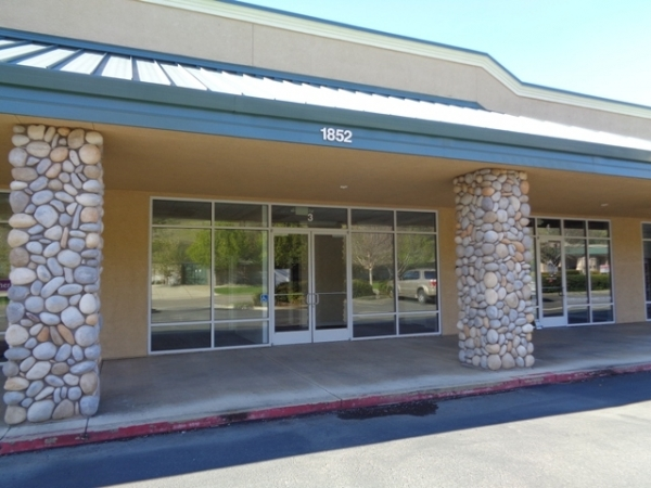 Listing Image #1 - Retail for lease at 1852 Buenaventura Blvd, Suite 3, Redding CA 96001
