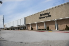Industrial property for lease in Wauwatosa, WI