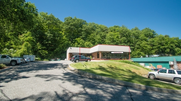 Listing Image #2 - Retail for lease at 1 Ethan Allen Highway, Ridgefield CT 06877
