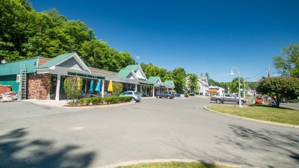 Listing Image #3 - Retail for lease at 1 Ethan Allen Highway, Ridgefield CT 06877