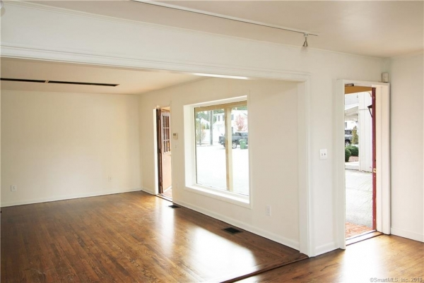 Listing Image #6 - Multi-Use for lease at 55 Main Street Unit #3, Essex  CT 06426