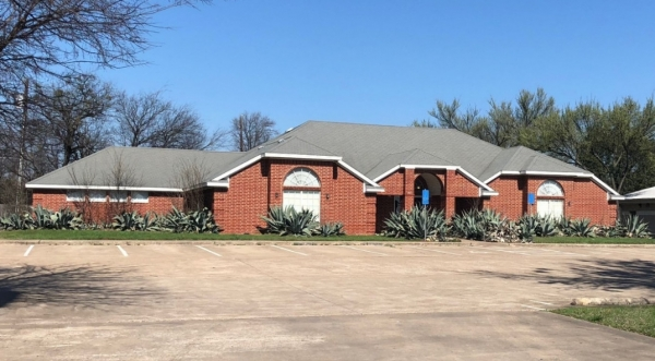 Listing Image #1 - Office for lease at 3925 S Jack Kultgen (IH-35), Waco TX 76711