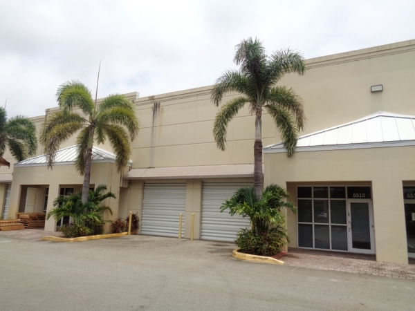 Listing Image #3 - Industrial for lease at 5517 N Nob Hill Rd, Sunrise FL 33351