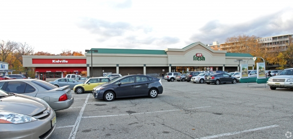 Listing Image #2 - Retail for lease at 510-516 Valley Rd., Montclair NJ 07043
