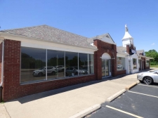 Retail property for lease in Saint Ann, MO