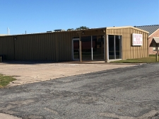 Multi-Use property for lease in Valley Center, KS