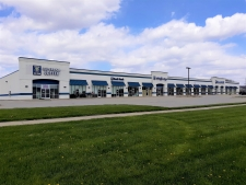 Retail property for lease in Chatham, IL
