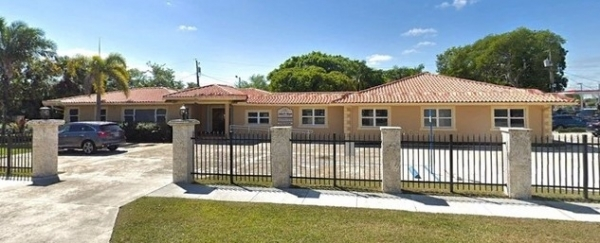 Listing Image #1 - Office for lease at 44 NE 16 Street, Homestead FL 33030
