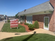 Office for lease in Webster Groves, MO