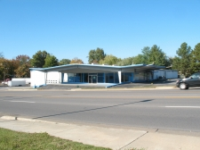 Retail property for lease in Jackson, MO