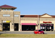 Retail property for lease in Ralston, NE