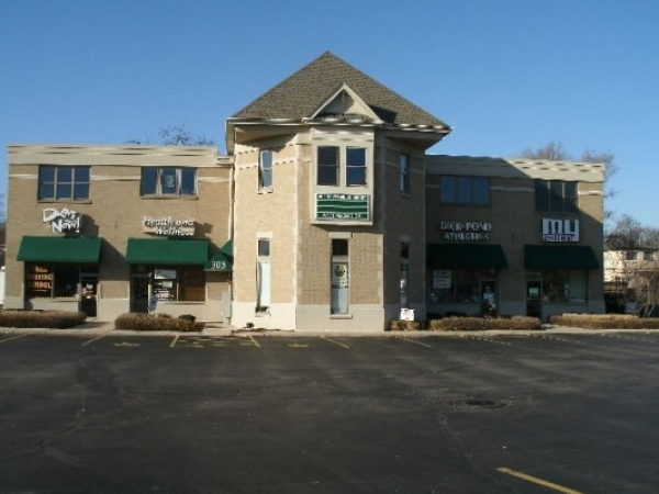 Listing Image #1 - Retail for lease at 303 North 2nd Street, Saint Charles IL 60174