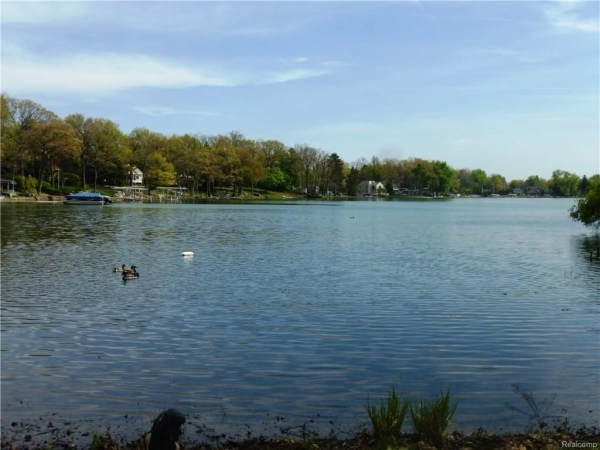 Listing Image #1 - Land for sale at 3553 DOROTHY Lane, Waterford Twp MI 48329