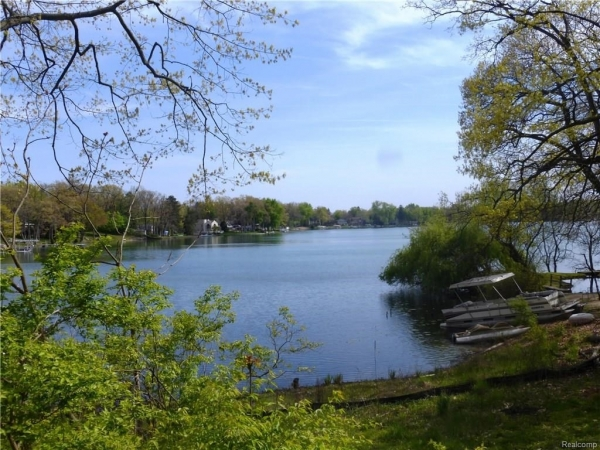 Listing Image #2 - Land for sale at 3553 DOROTHY Lane, Waterford Twp MI 48329
