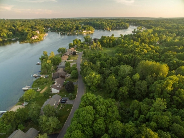Listing Image #3 - Land for sale at 410 Midlakes 5, Plainwell MI 49080