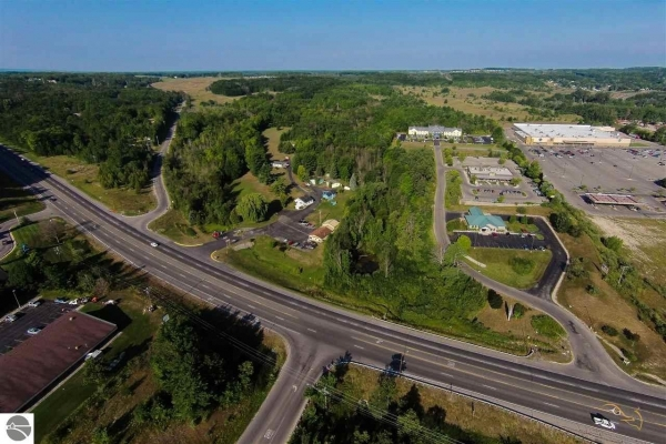 Listing Image #3 - Land for sale at 2105 N US-31 S, Traverse City MI 49684