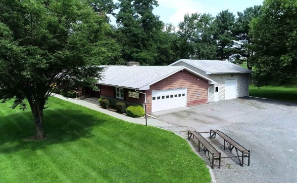 Listing Image #2 - Office for sale at 2186 Community Drive, Bath PA 18014