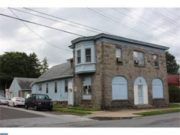 Listing Image #1 - Retail for sale at 500 Clifton Avenue, Darby PA 19023