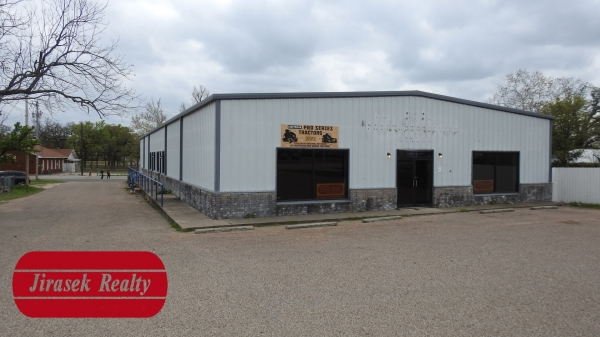 Listing Image #1 - Retail for sale at 2514 TX-36 Business, Gatesville TX 76528