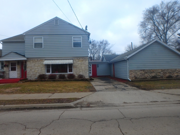 Listing Image #1 - Multi-family for sale at 821 11th Street, Rockford IL 61104