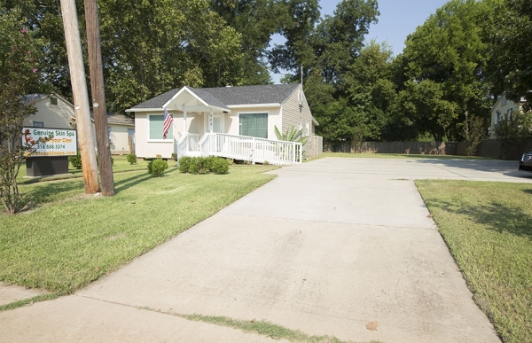 Listing Image #1 - Others for sale at 909 McDade, Bossier City LA 71111