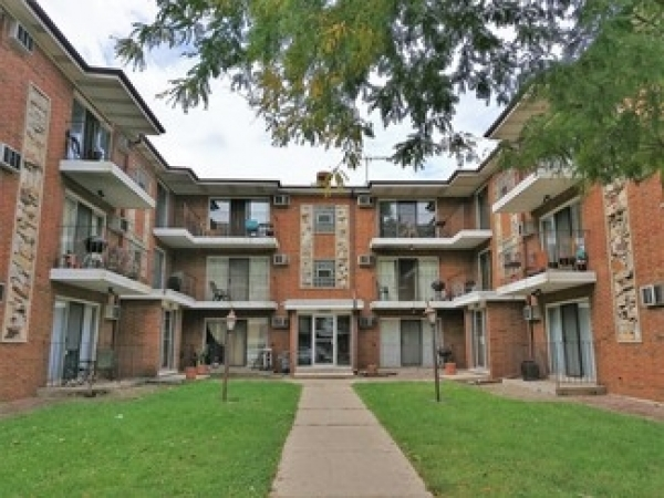 Listing Image #1 - Multi-family for sale at 13046 S Wood St, Blue Island IL 60406
