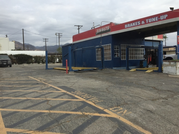 Listing Image #1 - Industrial for sale at 1137 W Foothill Blvd, Azusa CA 91702