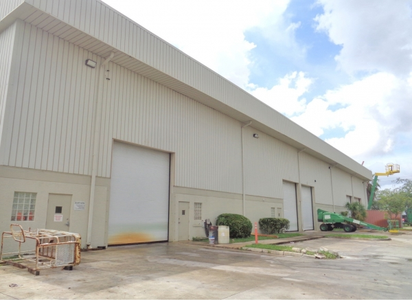 Listing Image #2 - Industrial for sale at 1861-1891 NW 33rd Ct, Pompano Beach FL 33064