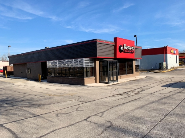 Listing Image #1 - Retail for sale at 820 E Roosevelt Road, Lombard IL 60148