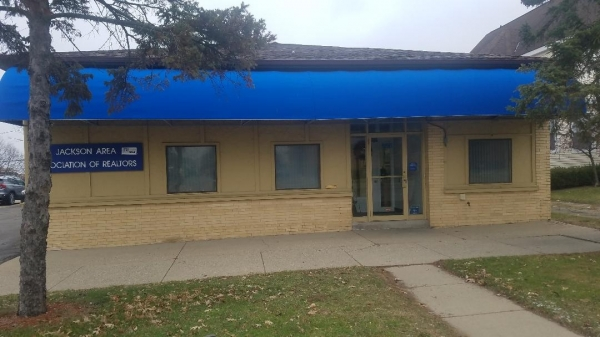 Listing Image #1 - Office for sale at 505 S JACKSON ST, Jackson MI 49203