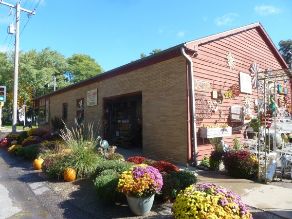 Listing Image #2 - Retail for sale at 302 8th St, Baraboo WI 53913