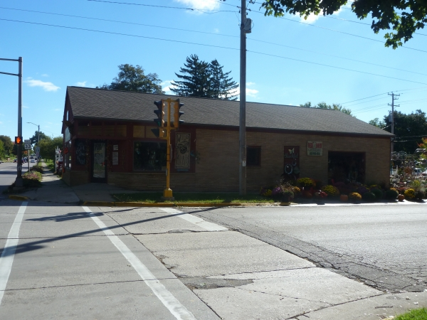 Listing Image #3 - Retail for sale at 302 8th St, Baraboo WI 53913